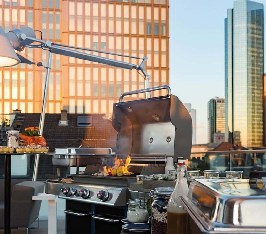 Barbecue & Grill Catering: Rooftop Location ~ FLOW THE KITCHEN